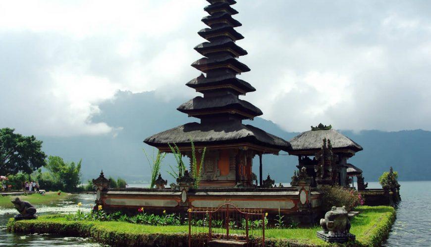 ancient temple of Pura Luhur Uluwatu bali