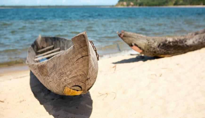 Madagascar Pirogue Pangalanes Lakes