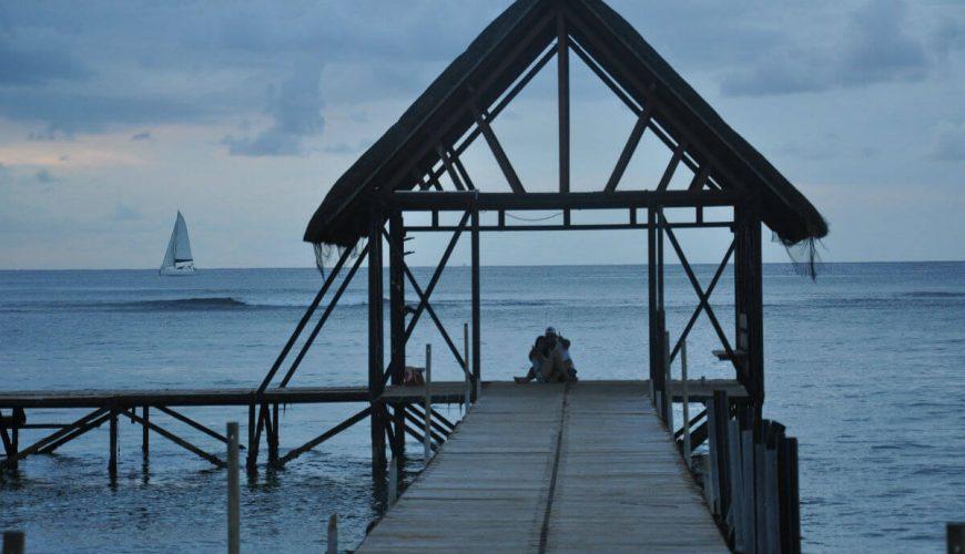 Mauritius Cabin Couple